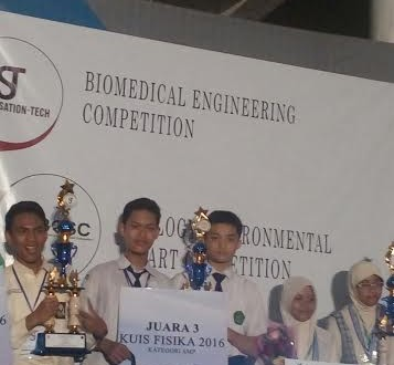 Siswa MTsN Malang I Juara III SCEINCESATION-TECH 2016 UNAIR