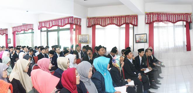 Mahasiswa Fakultas Ilmu Tarbiyah Dan Keguruan Unsiq Jawa Tengan Melaksanakan Spl Di Mtsn Malang 1