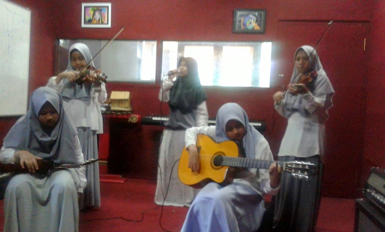 Puisi Musikal - MTsN 1 Kota Malang
