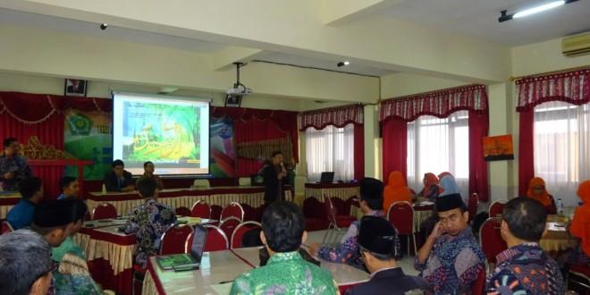 Guru dan Pegawai MTsN 1 Kota Malang Ikuti Pelatihan Brain Model Strategy
