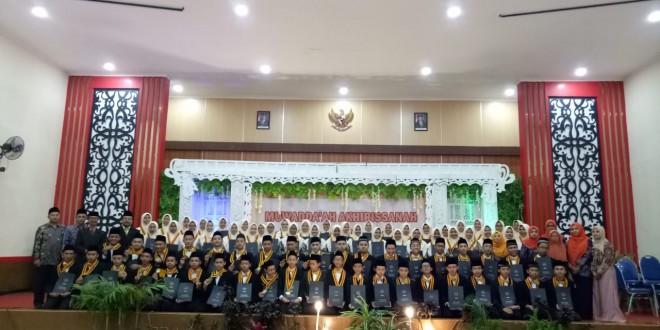 Muwadda'ah Akhirissanah Ma'had Al-Madany MTsN 1 Kota Malang